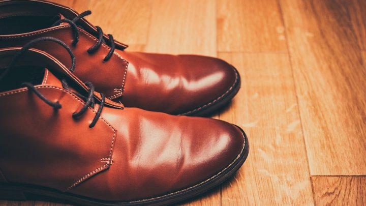 Comment bien porter les bottines grandes pointures avec un jeans homme ?